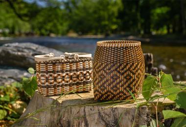 Cherokee art two baskets 0