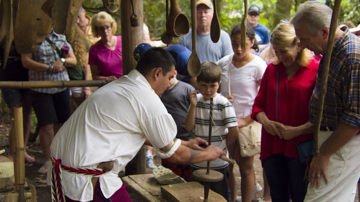 Experience 18th Century Cherokee The Oconaluftee Indian