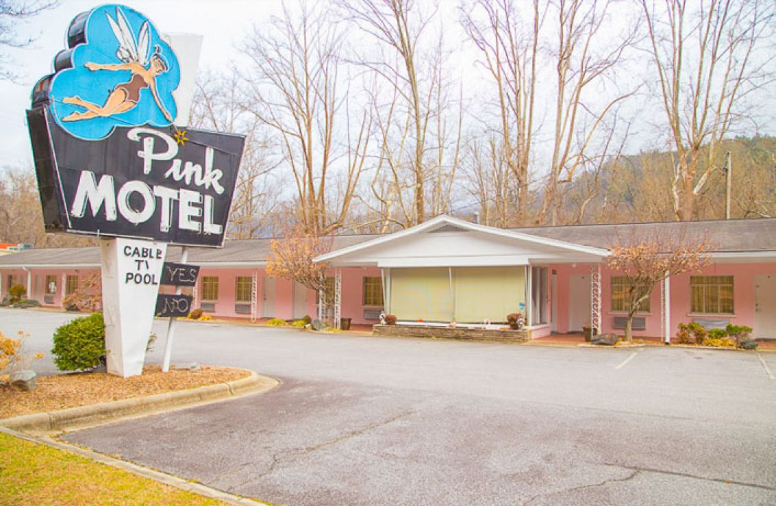 Cherokee nc casino hotels near betfred roulette system