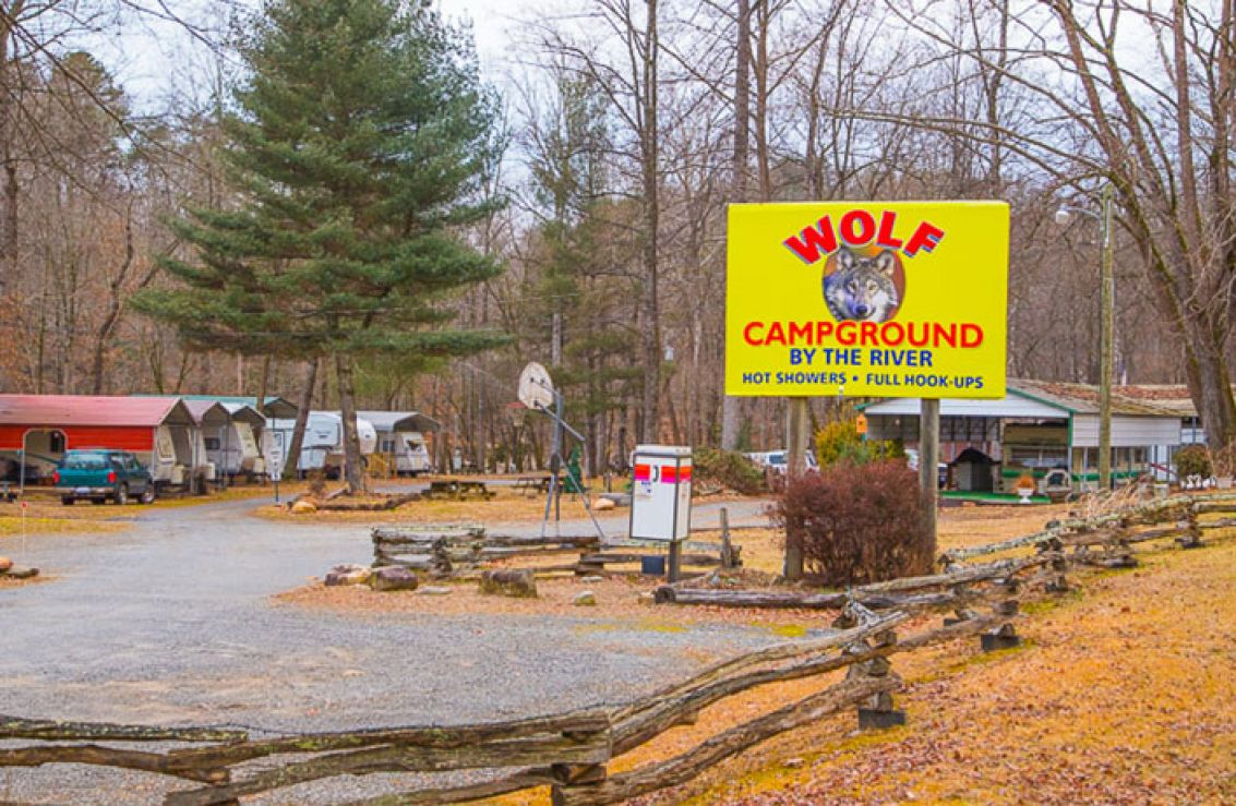 Wolf campground cherokee nc for Indian bear lodge cabins