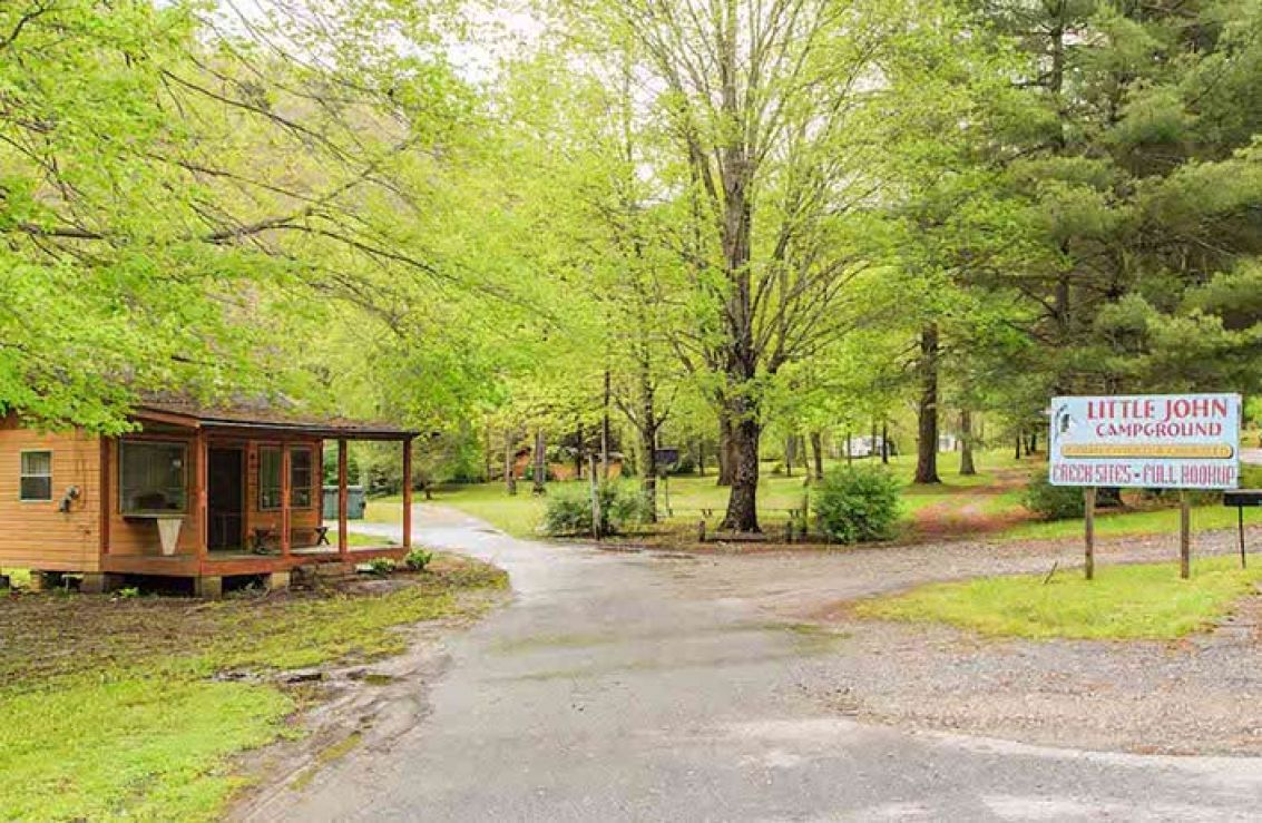 Littlejohn 39 s campground cherokee nc for Indian bear lodge cabins