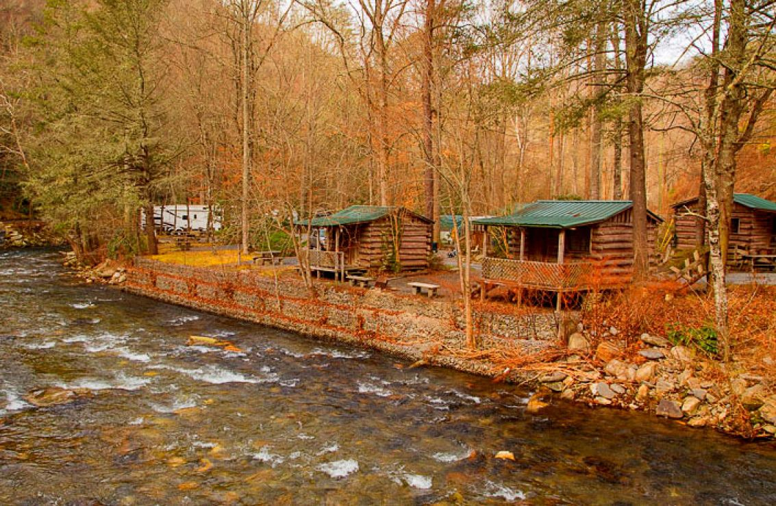 cherokee the woods huskey rentals nc poi in cabin cabins pines s itinerary builder